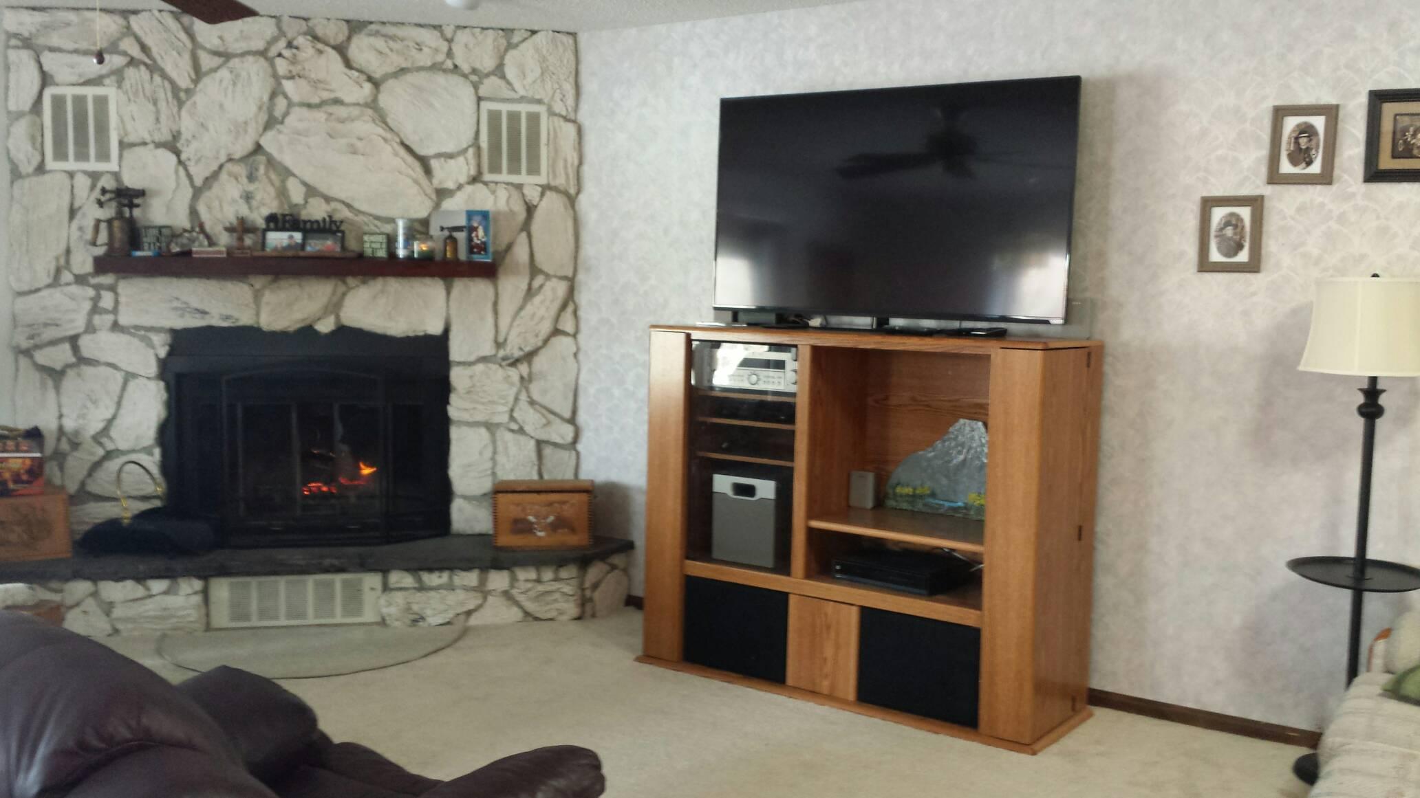 311 Lakewood Dr, Hillsboro, Illinois 62049