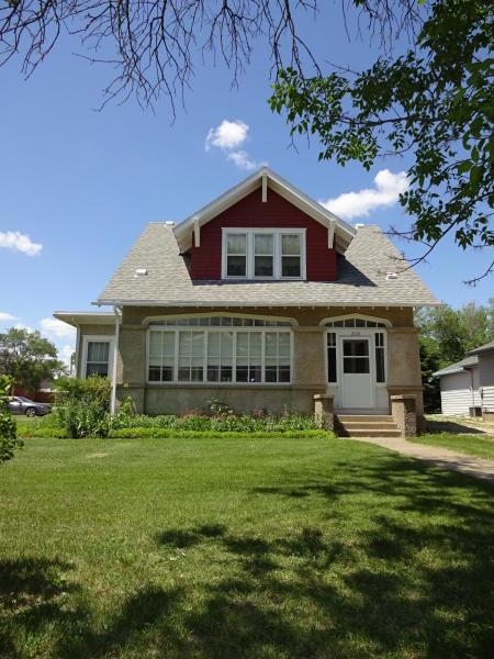 210 S 9th Ave, Faulkton, South Dakota 57438