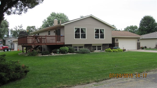 100 Briarwood Street, Colona, Illinois 61241