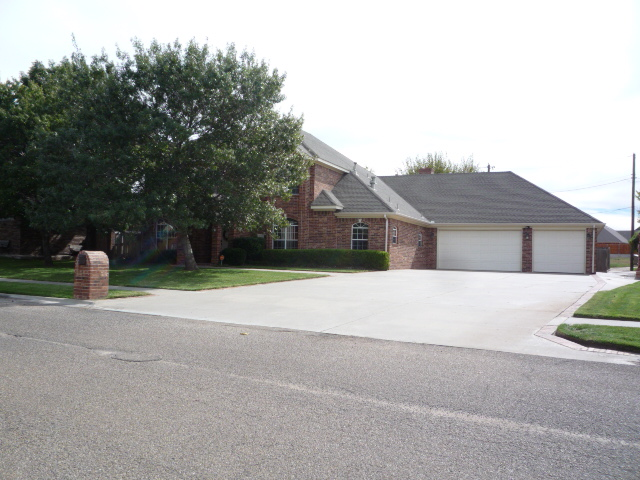 213 Loma Linda, Borger, TX 79007