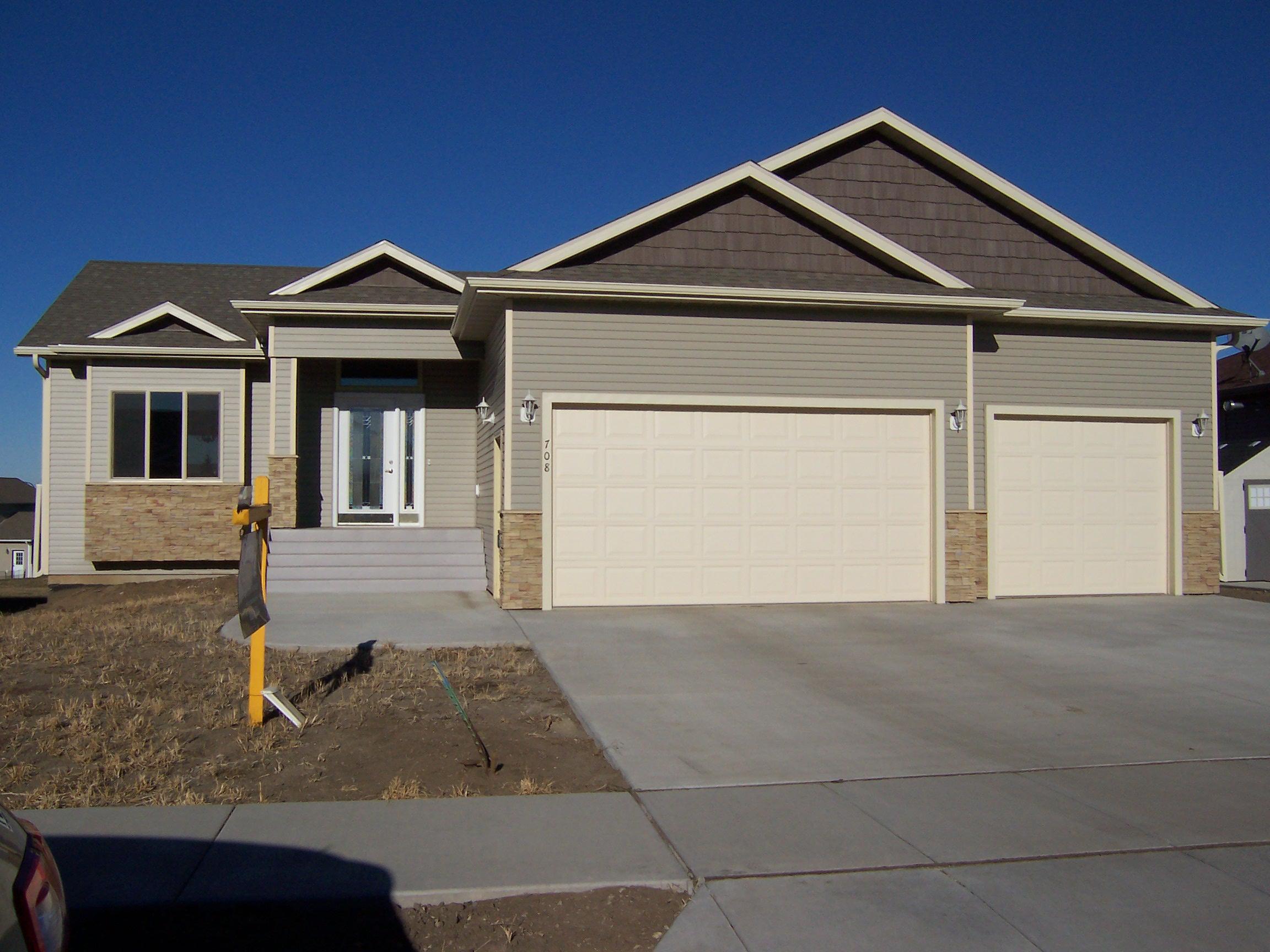 708 Farmstead Ct, Mandan, North Dakota 58554