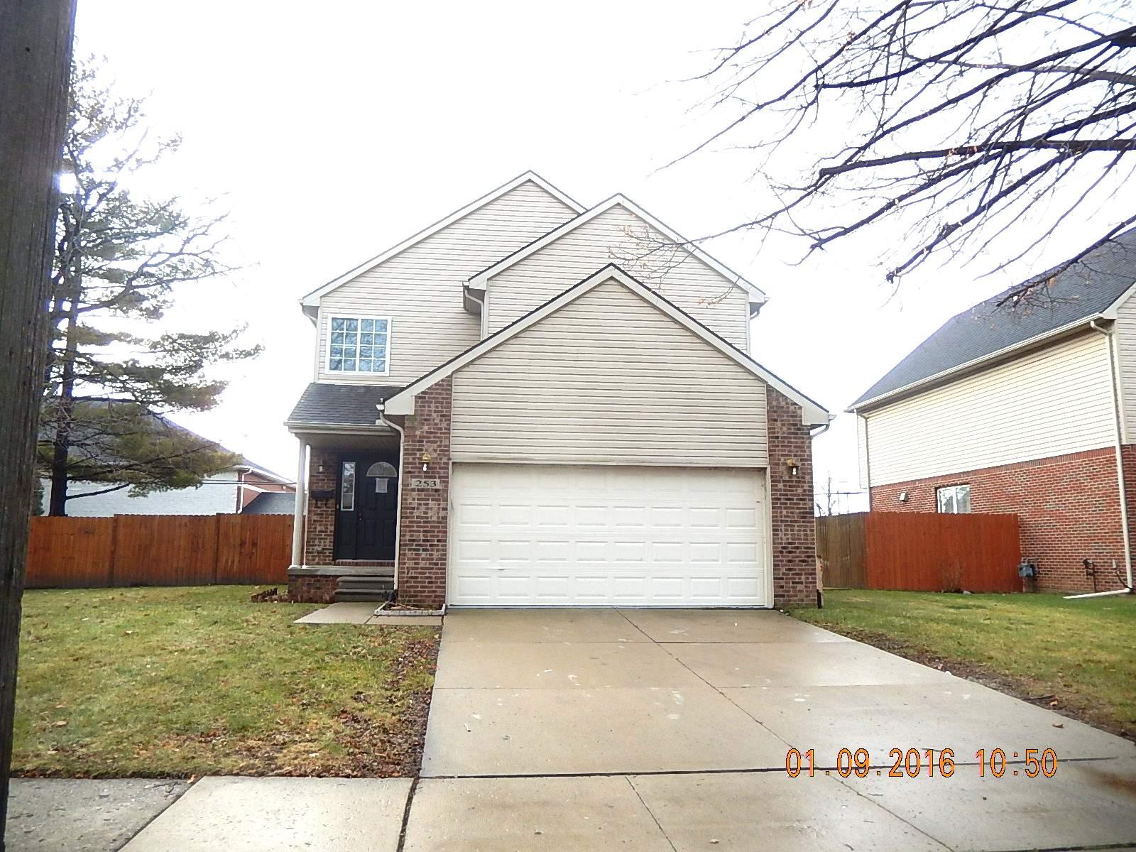 253 HUDSON, Wyandotte, Michigan 48192