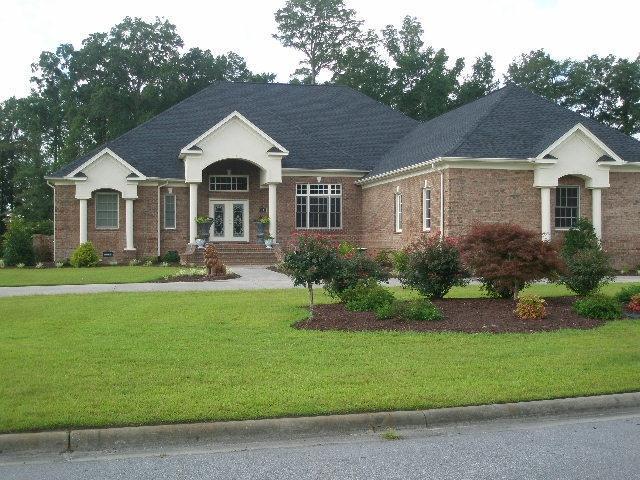 303 Grande Oaks Blvd., Lumberton, North Carolina 28358