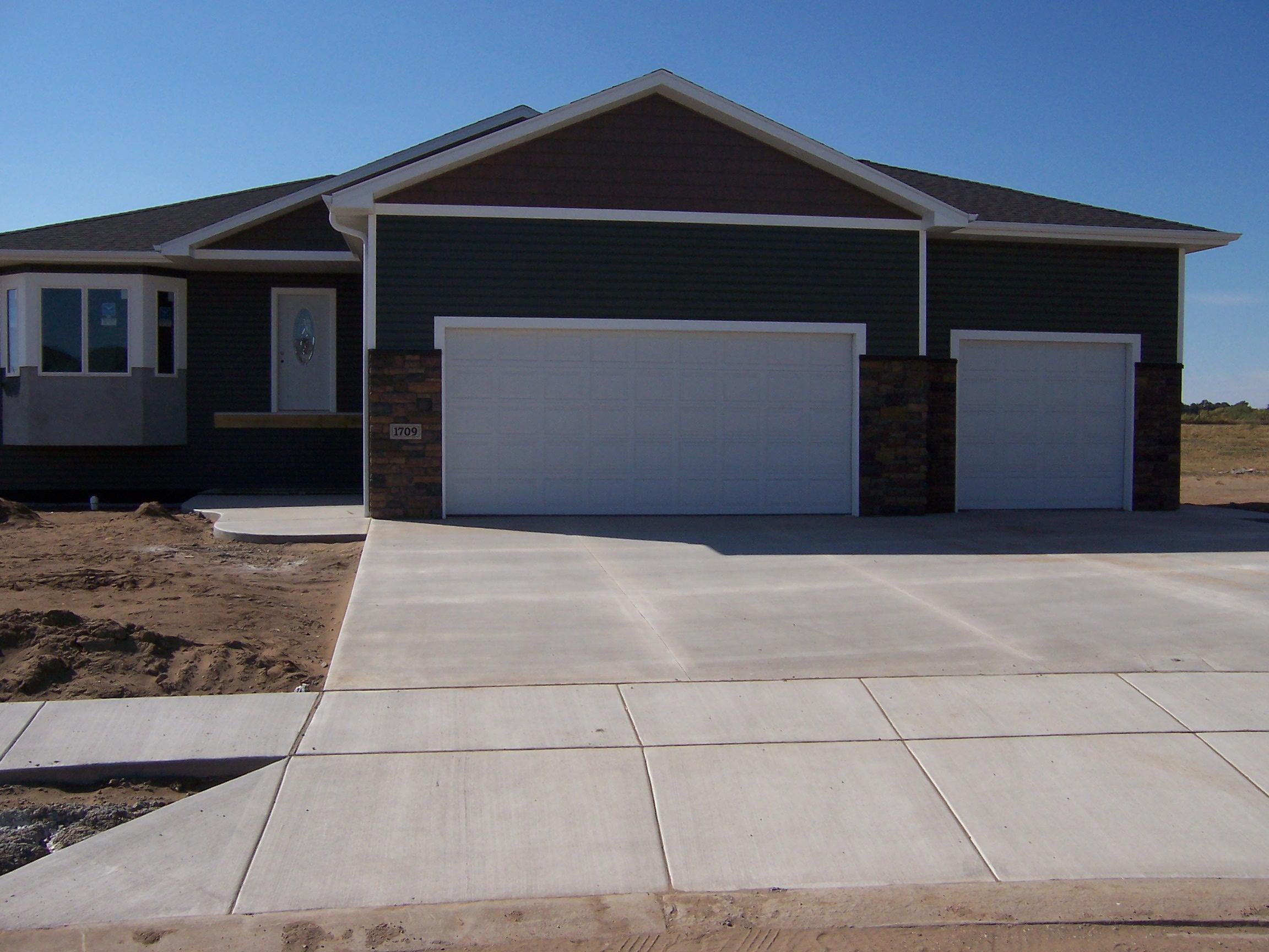 1709 Amber Pl, Mandan, North Dakota 58554