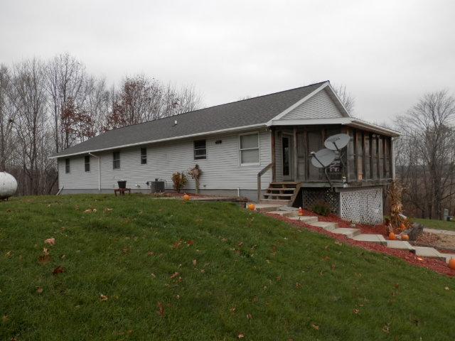 E17973 Shaker Road, Hillsboro, Wisconsin 54634