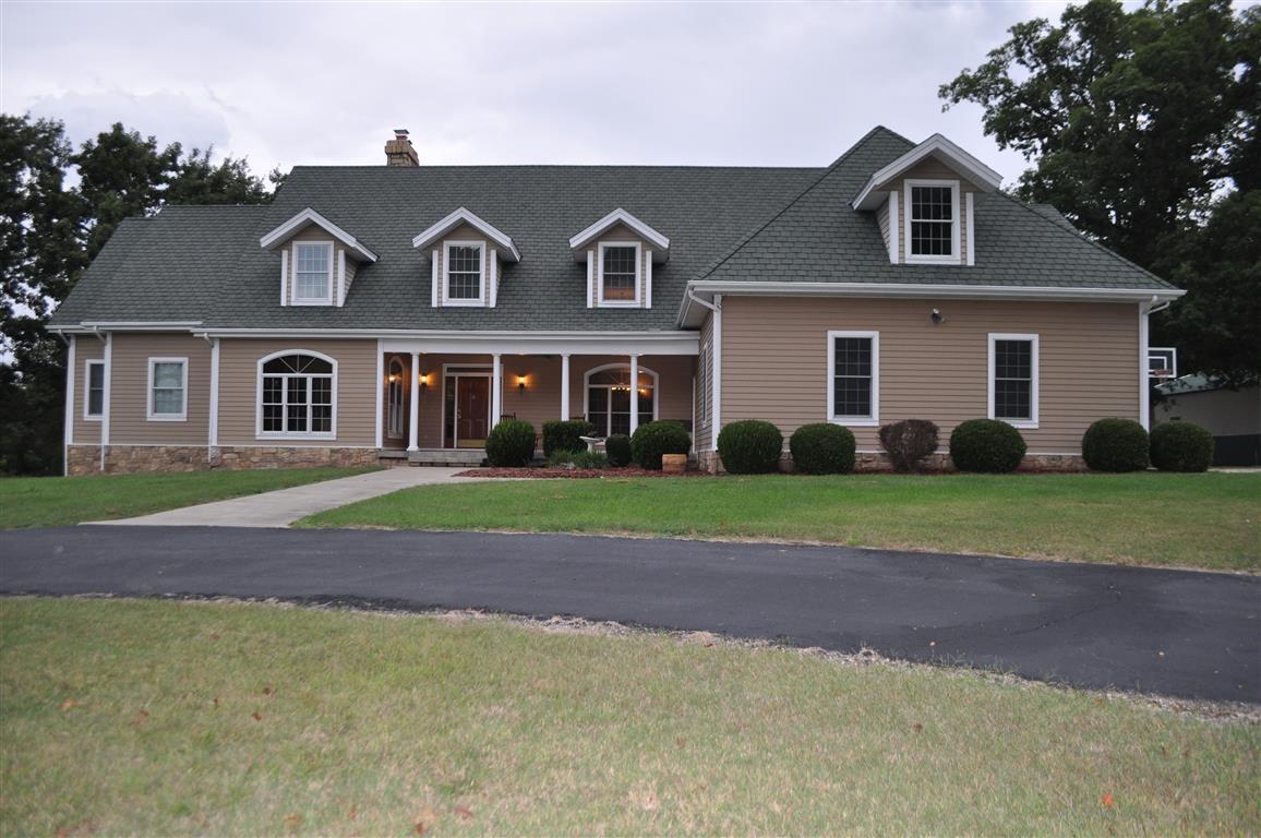 1515 Baker Lane, Cassville, Missouri 65625