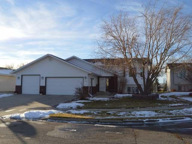 2736 Essex Loop, Bismarck, North Dakota 58504