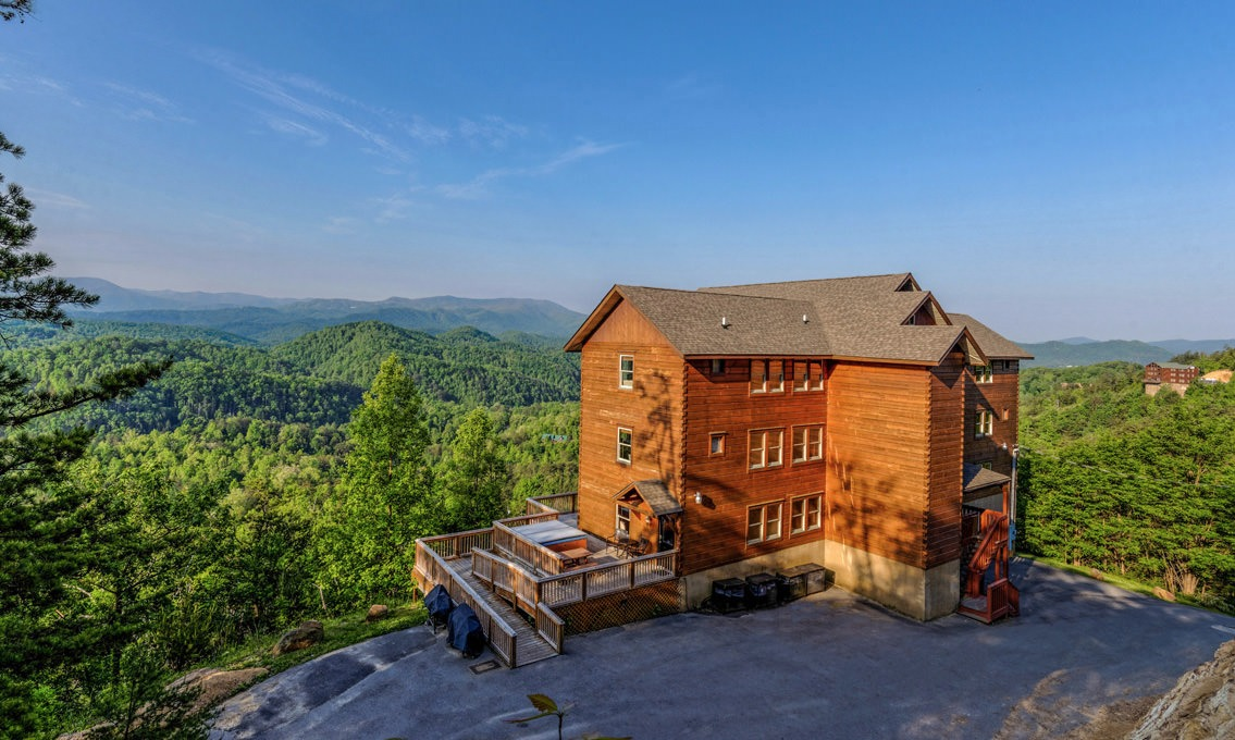 1810 Red Bone Way, Sevierville, Tennessee 37876