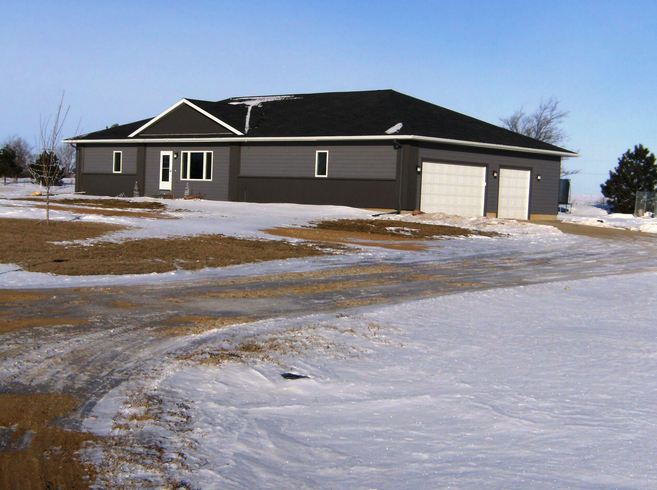 112 Spring Meadow Road, Yankton, South Dakota 57078
