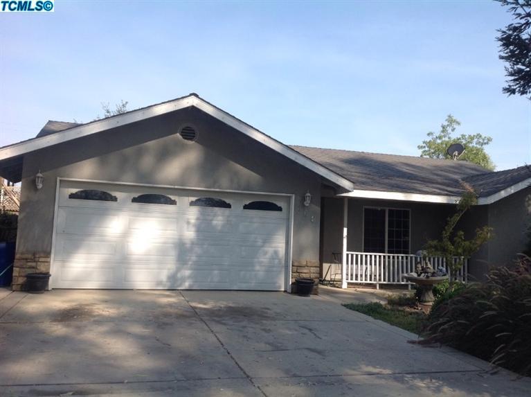 362-364 S Valencia Blvd, Woodlake, CA 93286