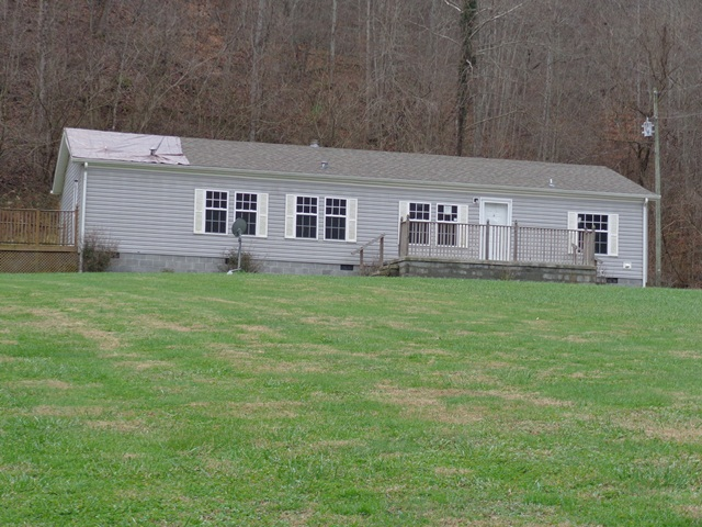 348 Alum Lick Road, Martin, Kentucky 41649