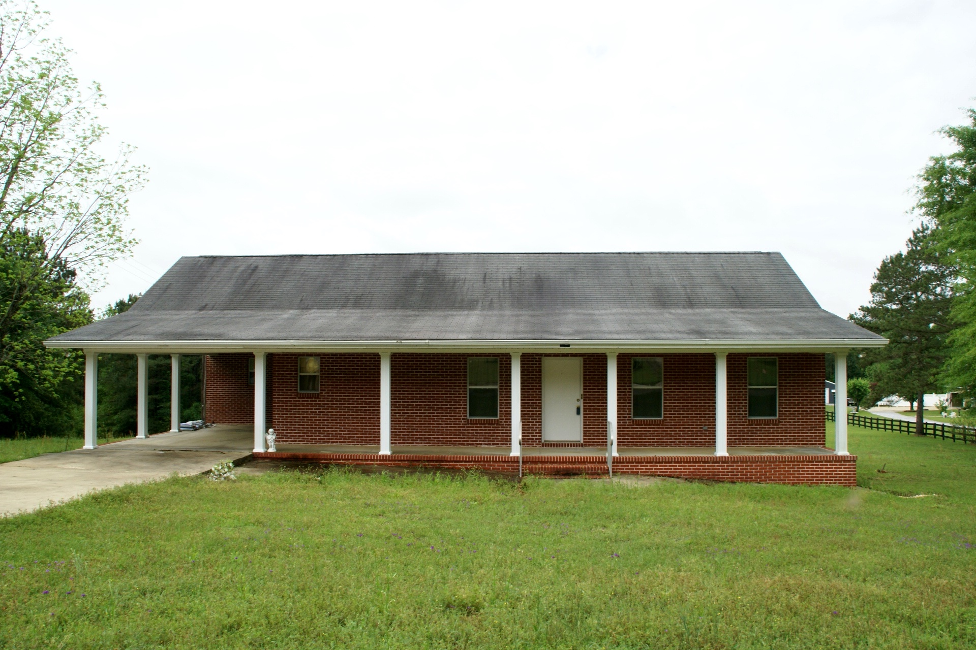 2677 Hickman Avenue, Elba, Alabama 36322