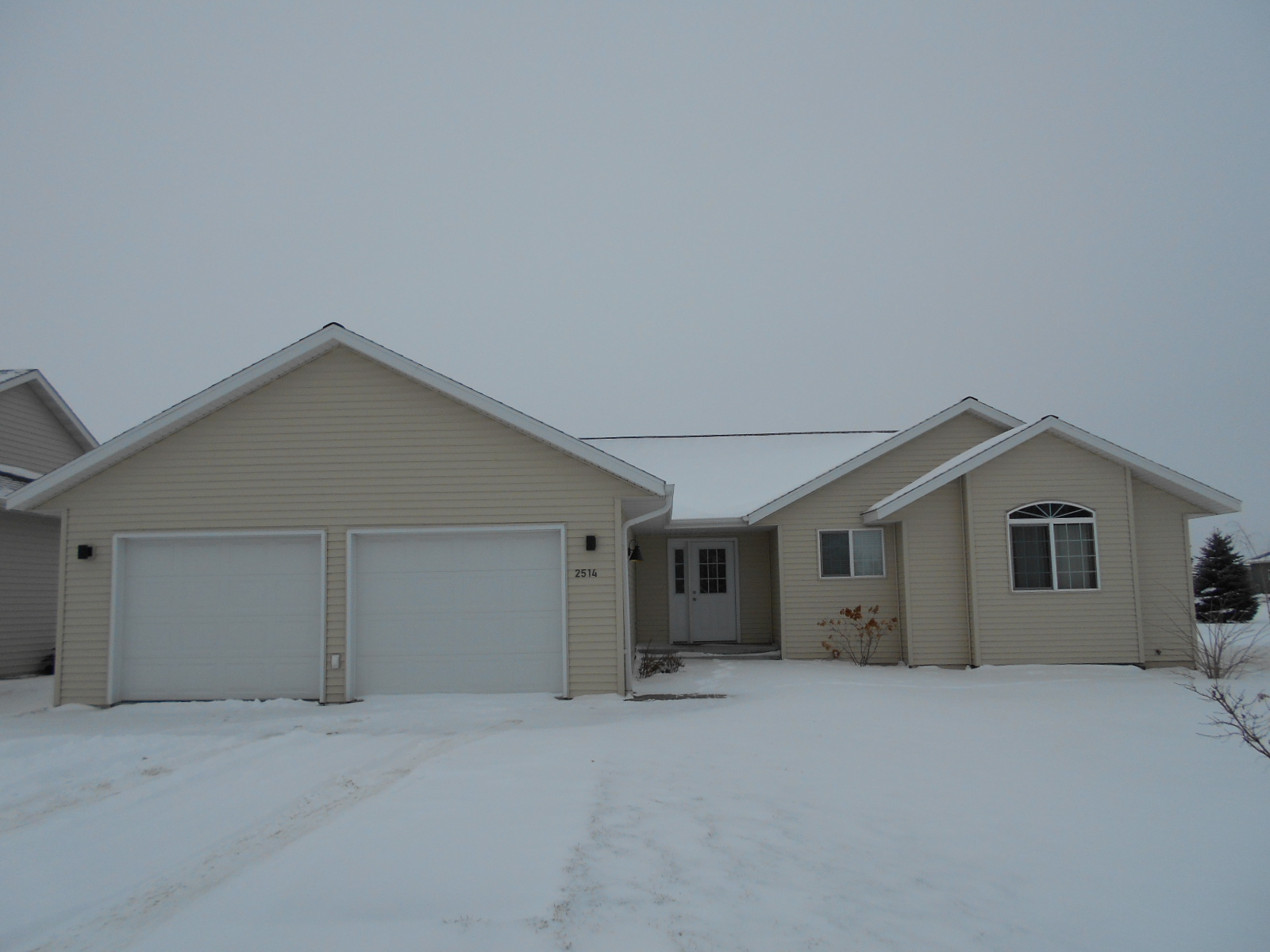 2514 4th St NE, Jamestown, North Dakota 58401
