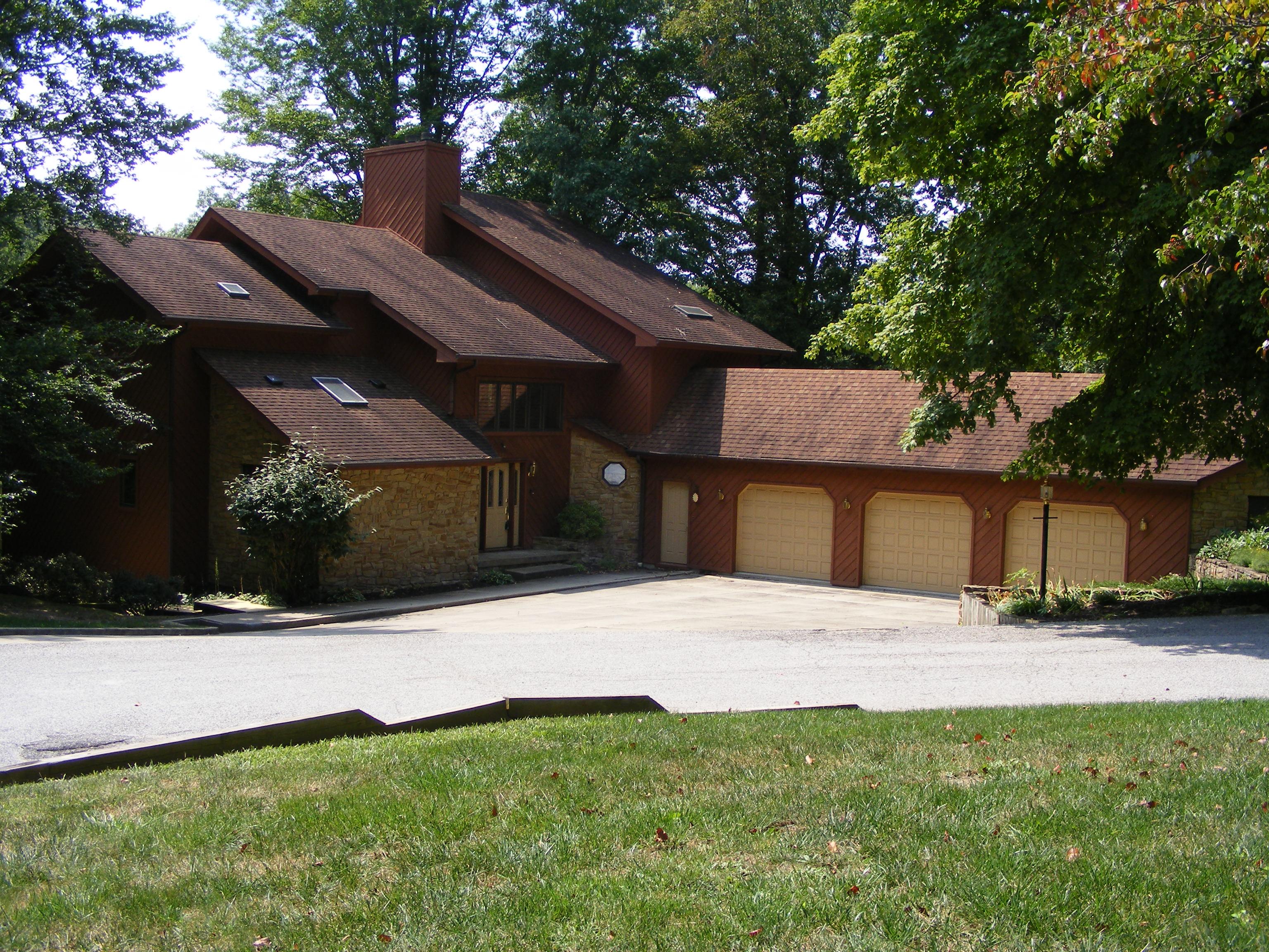 8236 N Maplewood Pl, Terre Haute (west), Indiana 47885