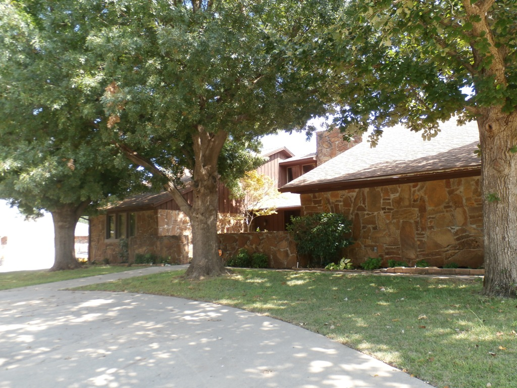 101 St Charles Pl, Chickasha, Oklahoma 73018