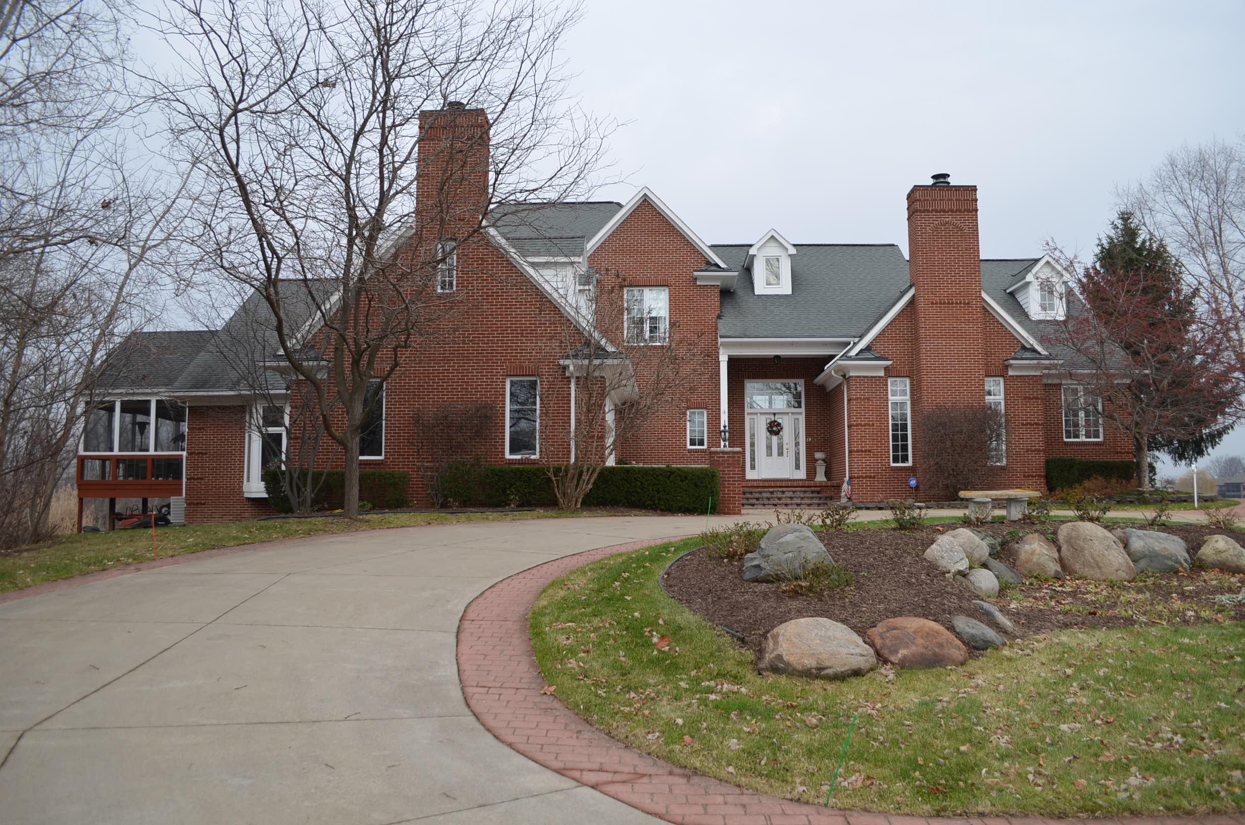 52548 Caddy Lane, South Lyon, Michigan 48178