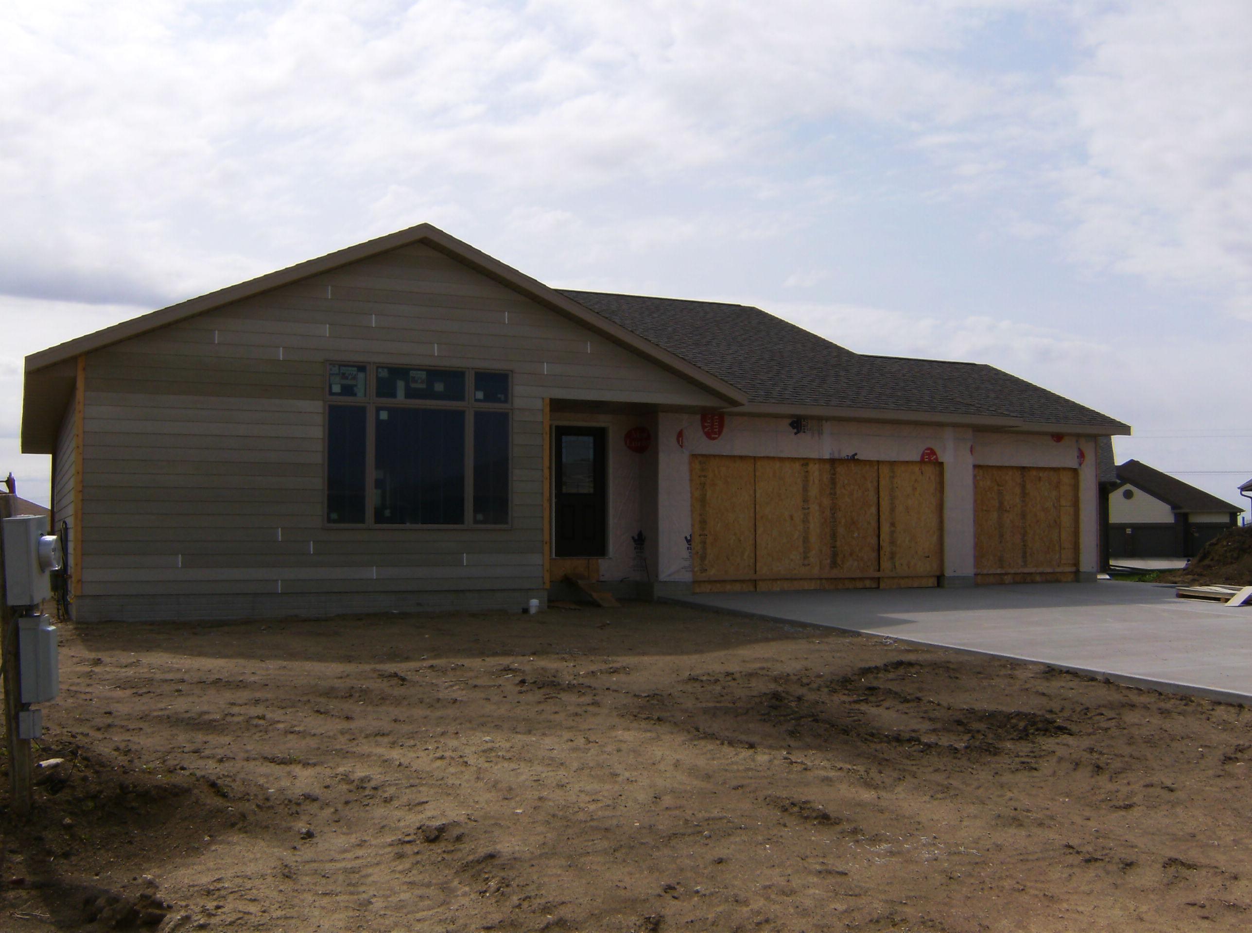 2508 Dunham Drive, Yankton, South Dakota 57078