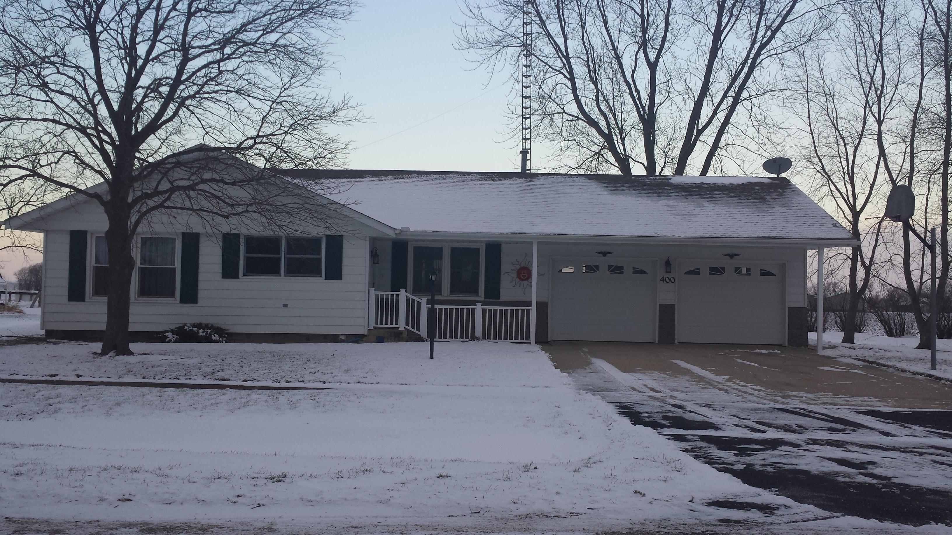 400 Elm St., Kinsman, IL 60437