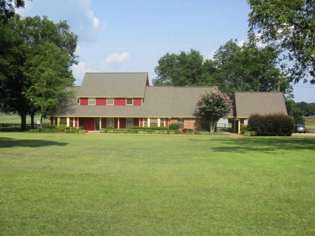 1035 E Winston Rd, Louisville, Mississippi 39339