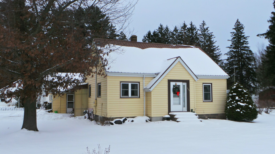 1002 Division Street, Withee, Wisconsin 54498