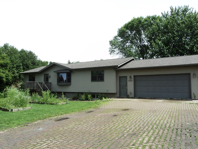 200 S 6th St, Abbotsford, Wisconsin 54405