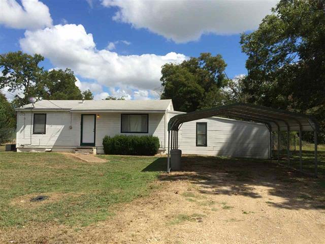 222 High St., Roxton, Texas 75477