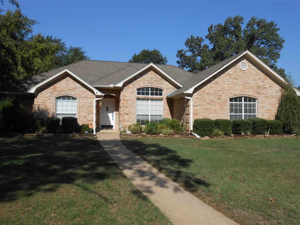 296 Oak Hill Dr., Powderly, TX 75473