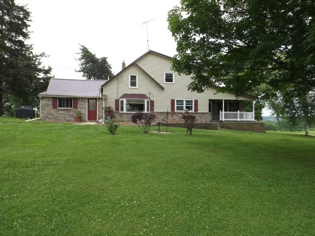 2759 Mink Farm Rd, South Wayne, Wisconsin 53587