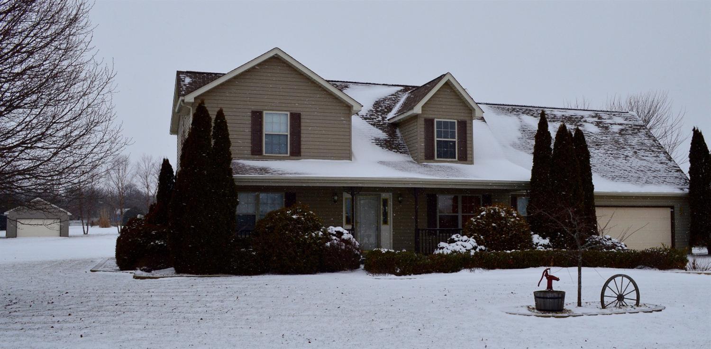 864 Jeflynn Dr., Kouts, Indiana 46347
