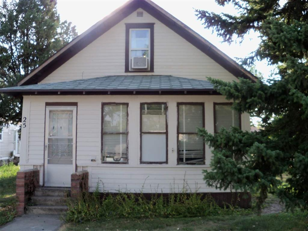 25 2nd St NE, Parshall, North Dakota 58770