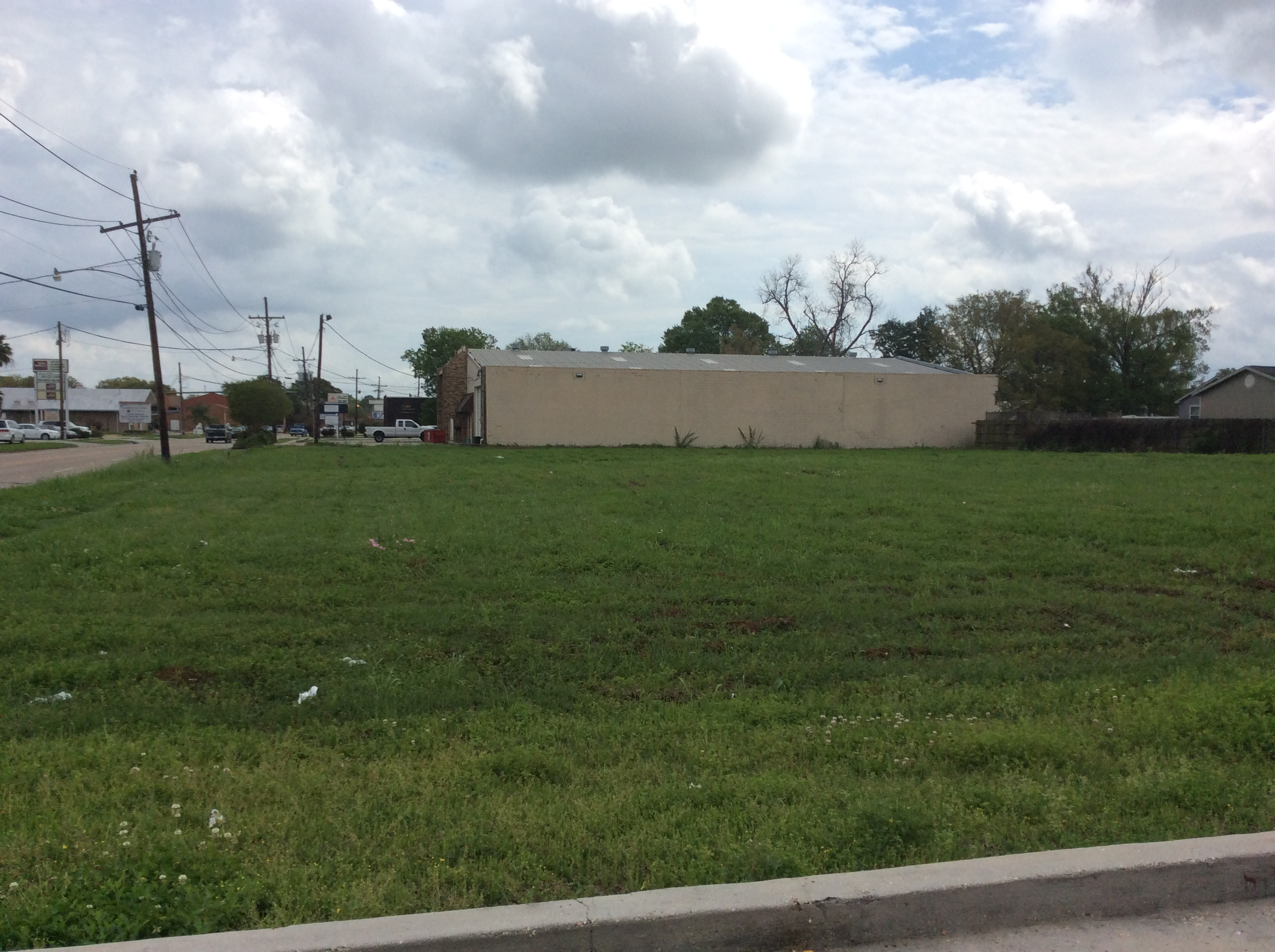 1720 STUMPF BLVD., Gretna, Louisiana 70056