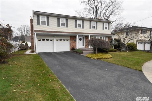 38 Sherwood Drive, Bethpage, New York 11714