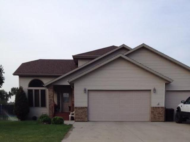 3107 Bay Shore Bend SE, Mandan, North Dakota 58554