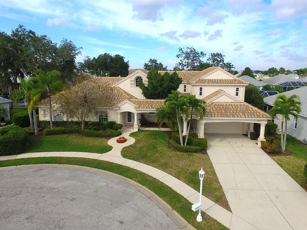 4711 Spinnaker Dr, Bradenton, Florida 34208