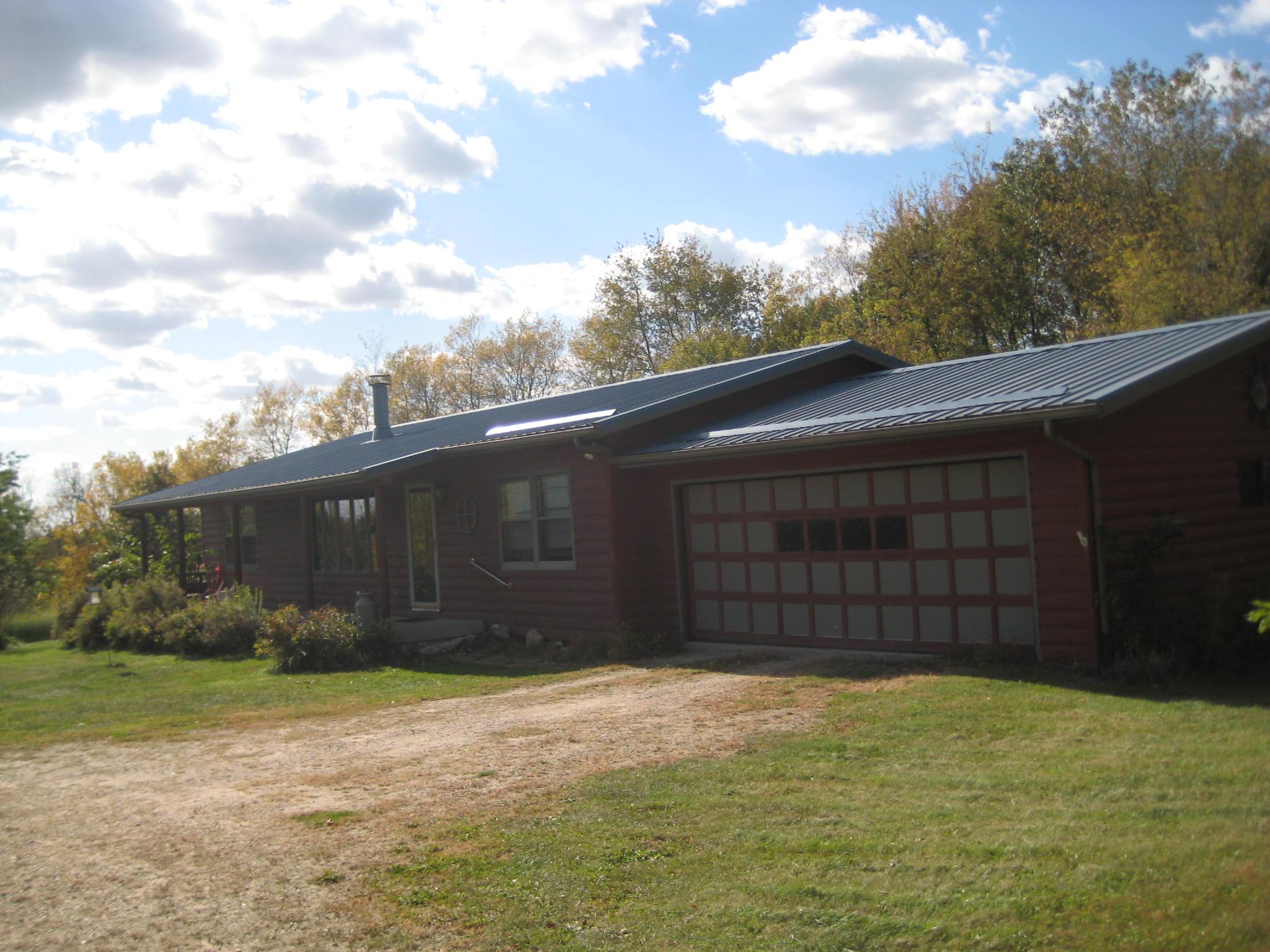 59115 Oak Grove Ridge Road, Eastman, Wisconsin 54626