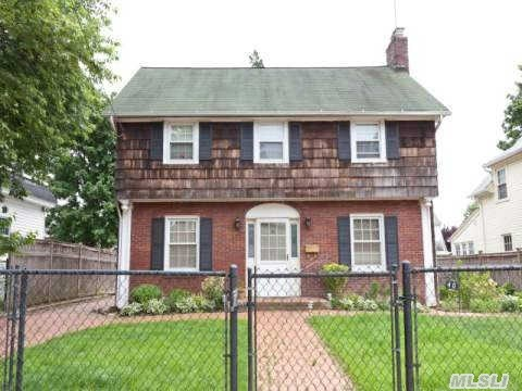 40 Macdonald Street, Hempstead, New York 11550