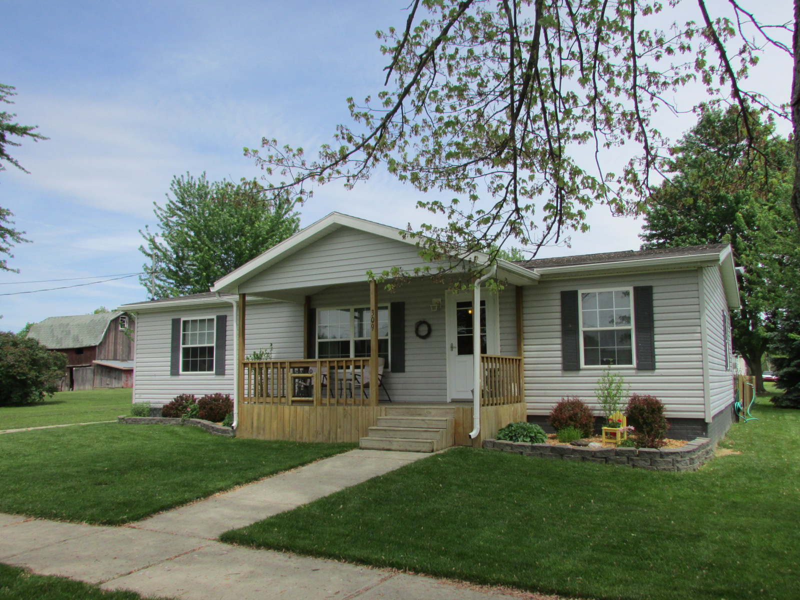 309 East St, Waldron, Michigan 49288