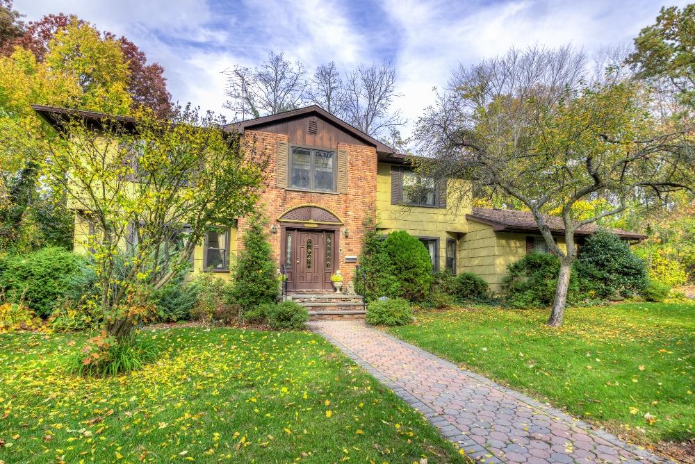 11 Park Drive, Pelham Manor, New York 10803