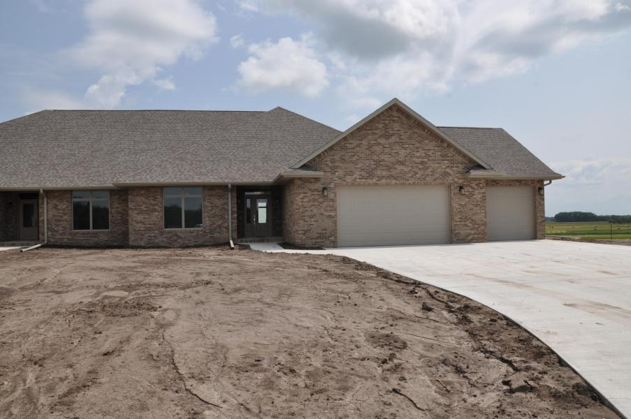 7135 Valley View Circle, Brookings, South Dakota 57006