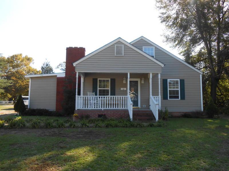 226 N. 4th Street, St Pauls, North Carolina 28384