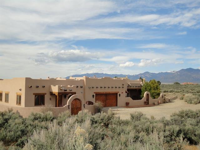 12 Golf Course Drive, Ranchos De Taos, New Mexico 87557