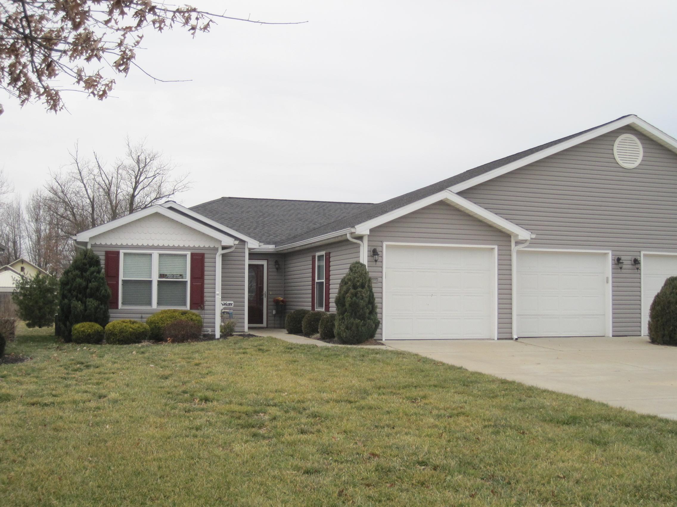 721 Oak Tree Lane, Belpre, Ohio 45714