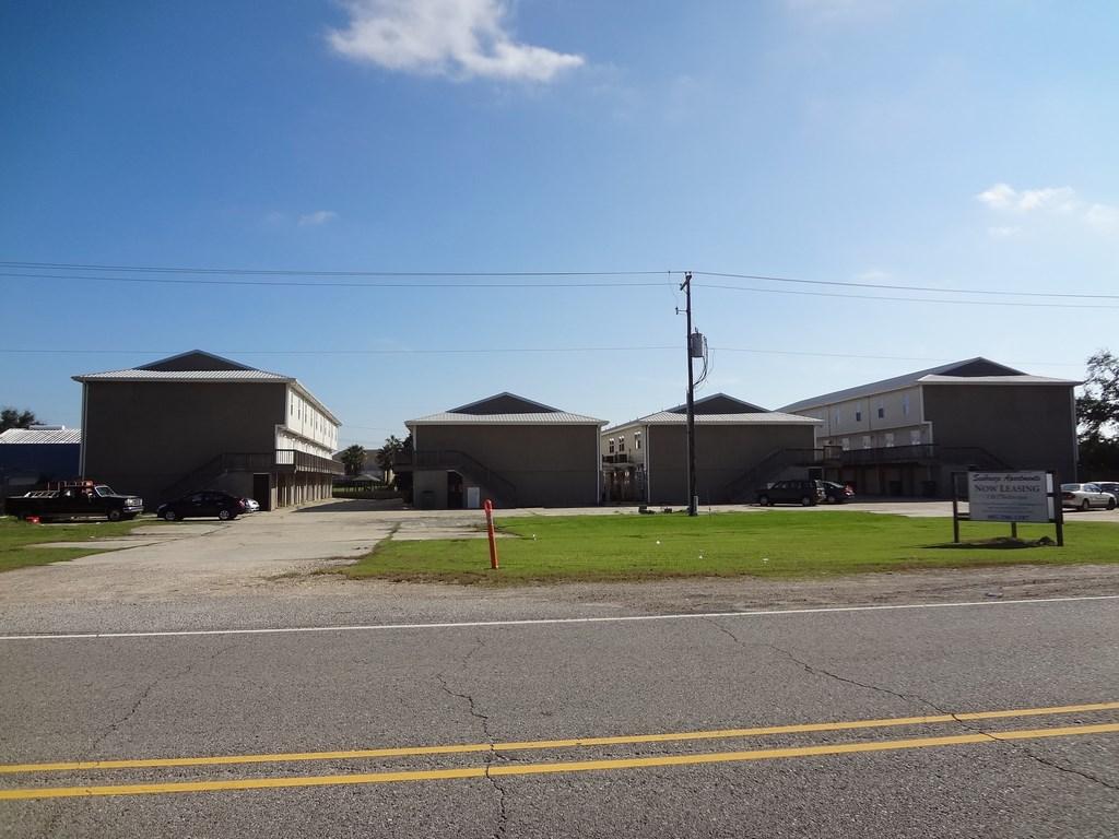 4720 PONTCHARTRAIN DRIVE, Slidell, Louisiana 70458