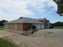 6026 Buzzard Creek Rd., Cedar Hill, Tennessee 37032