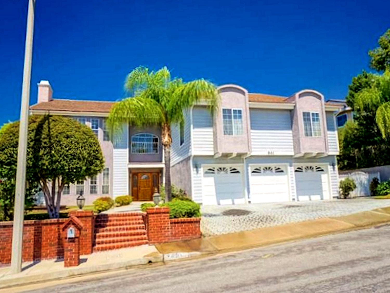 3601 Viewcrest Dr, Burbank, California 91504
