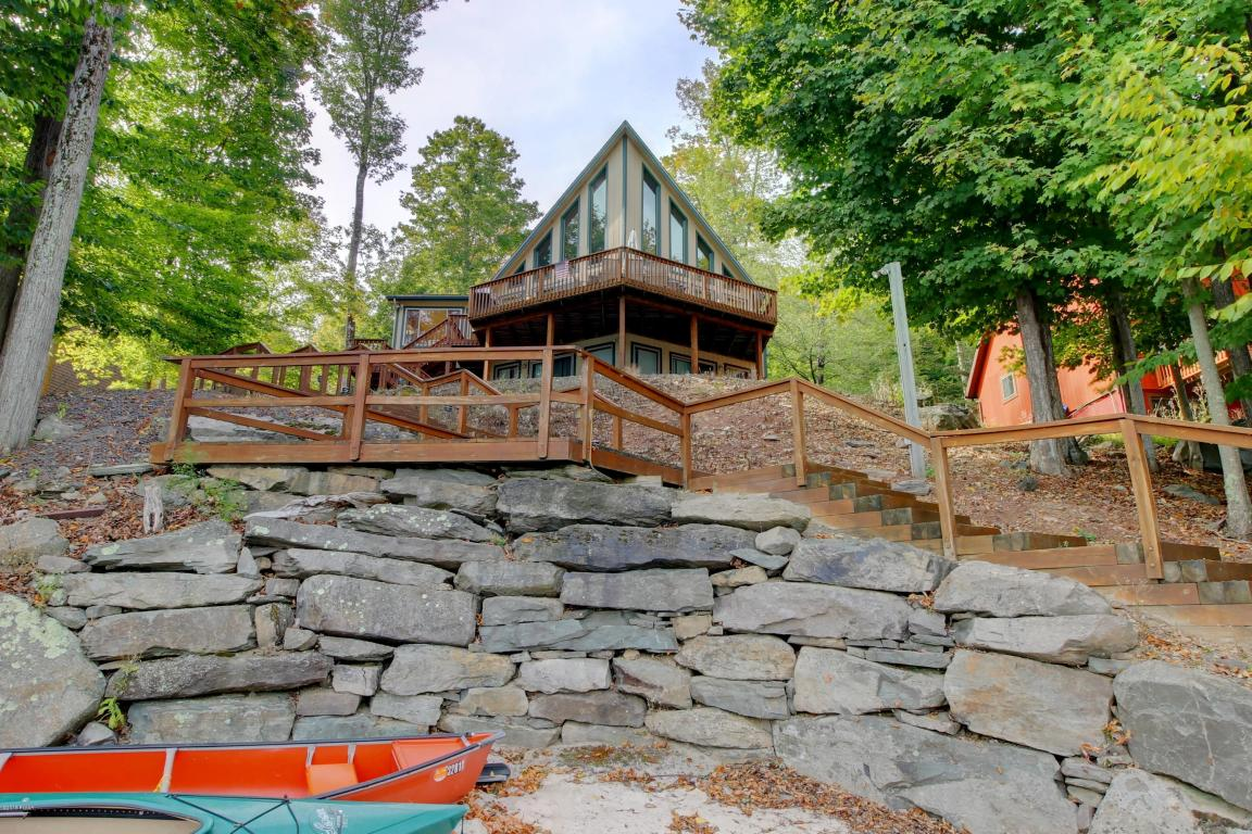 1306 Lakeview Drive, Lake Ariel, Pennsylvania 18436