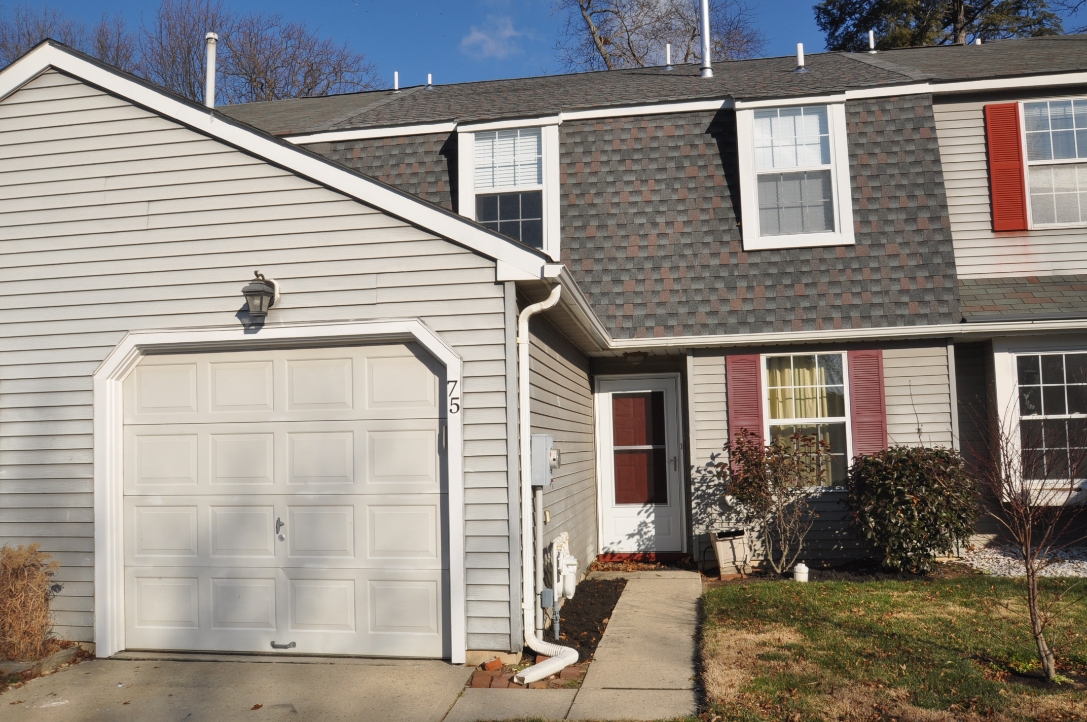 75 River Bank Dr, Roebling, New Jersey 08554