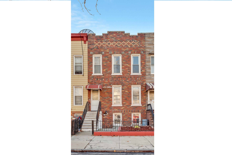 146a 31 St, Brooklyn, New York 11232