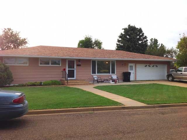 309 8th St, Hettinger, North Dakota 58639