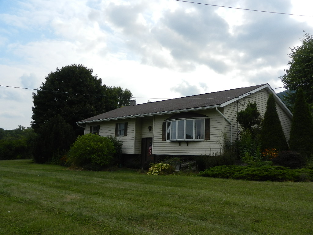 2995 Raystown Road, Hopewell, PA 16650